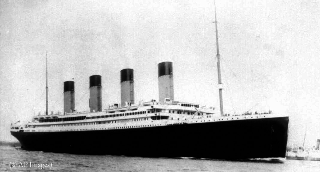 Foto yang menunjukkan kapal besar (© AP Images)