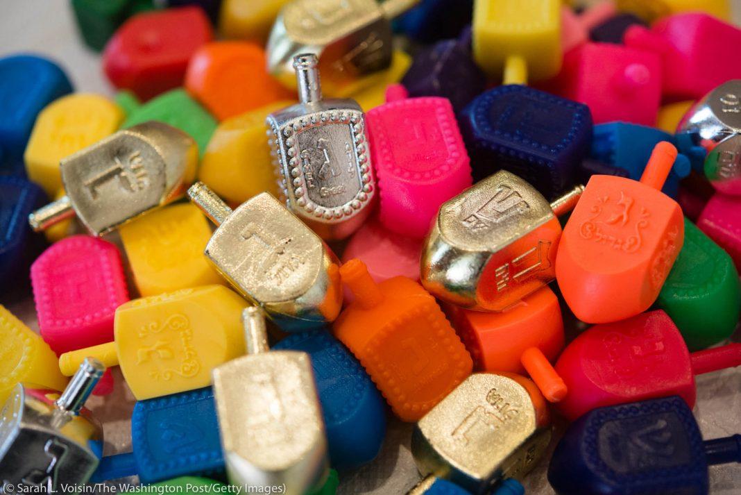 رنگ برنگے ڈرائیڈلوں کا ڈھیر۔ (© Sarah L. Voisin/The Washington Post/Getty Images)