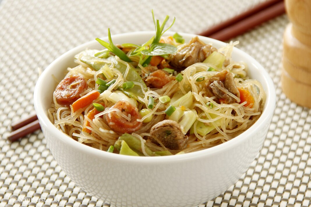 Bowl of noodle soup (© Shutterstock)