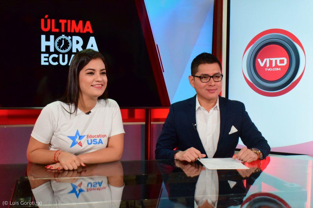 Woman and man in TV studio (© Luis Gorotiza)