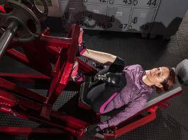Woman exercising (© Sebastián Rodriguez)