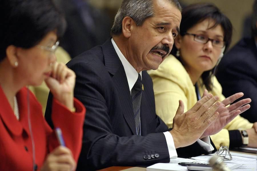 2009年5月18日,墨西哥卫生部长何塞·比亚洛沃斯在世卫组织大会上发言。(照片:美联社)