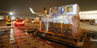 Workers loading Coronavirus aid to send to China (© UPS)