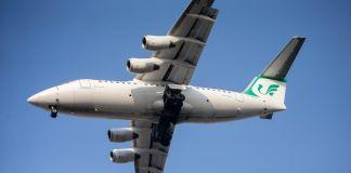 Avión en vuelo (© Ahmad Halabisaz/Xinhua/Getty Images)