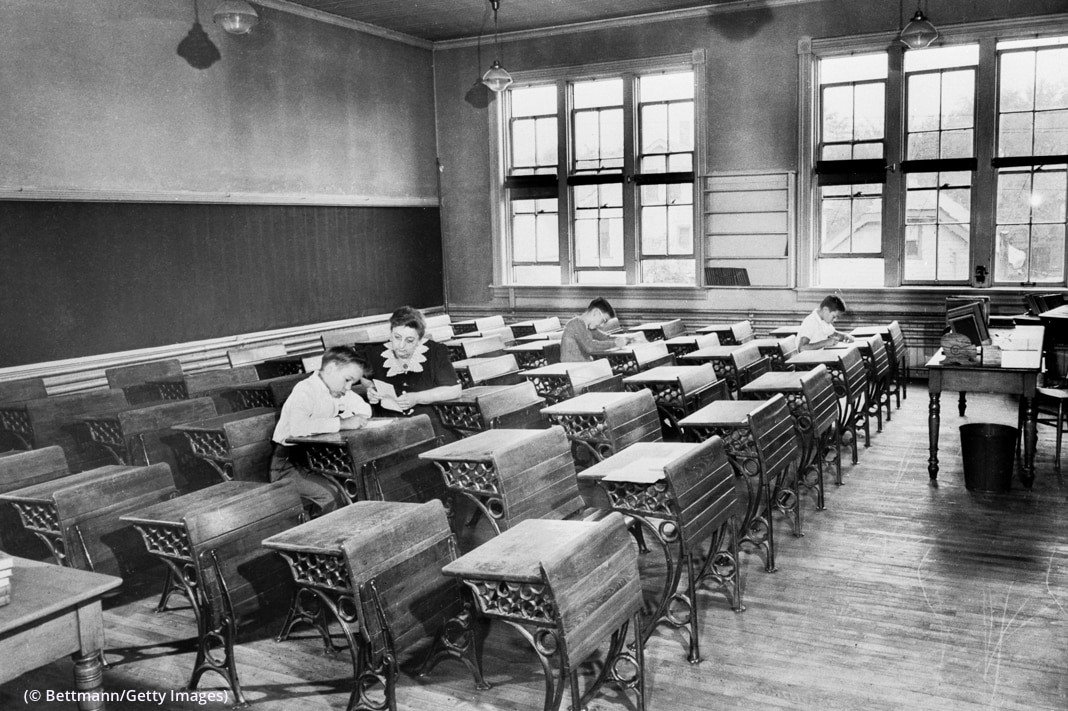 Une salle de classe quasiment vide. (© Bettmann/Getty Images)
