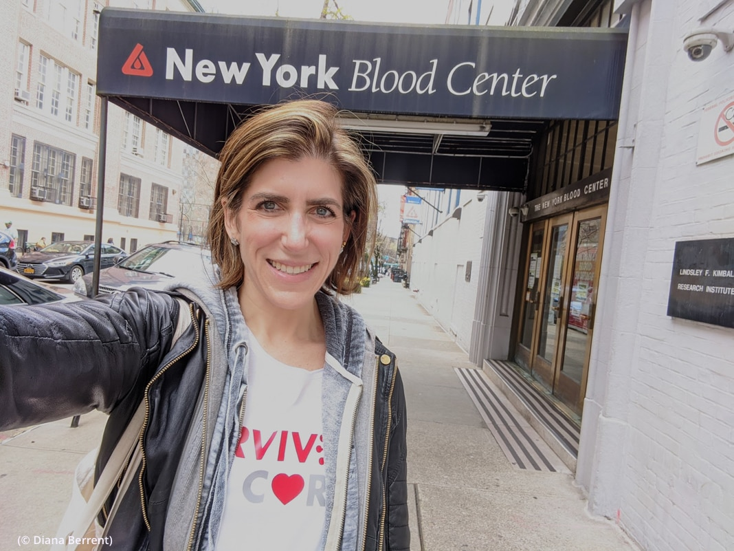 Selfie of woman in front of New York Blood Center (© Diana Berrent)
