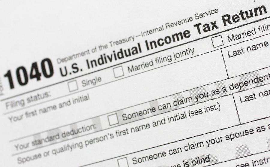 联邦个人所得税税表(照片:美联社)