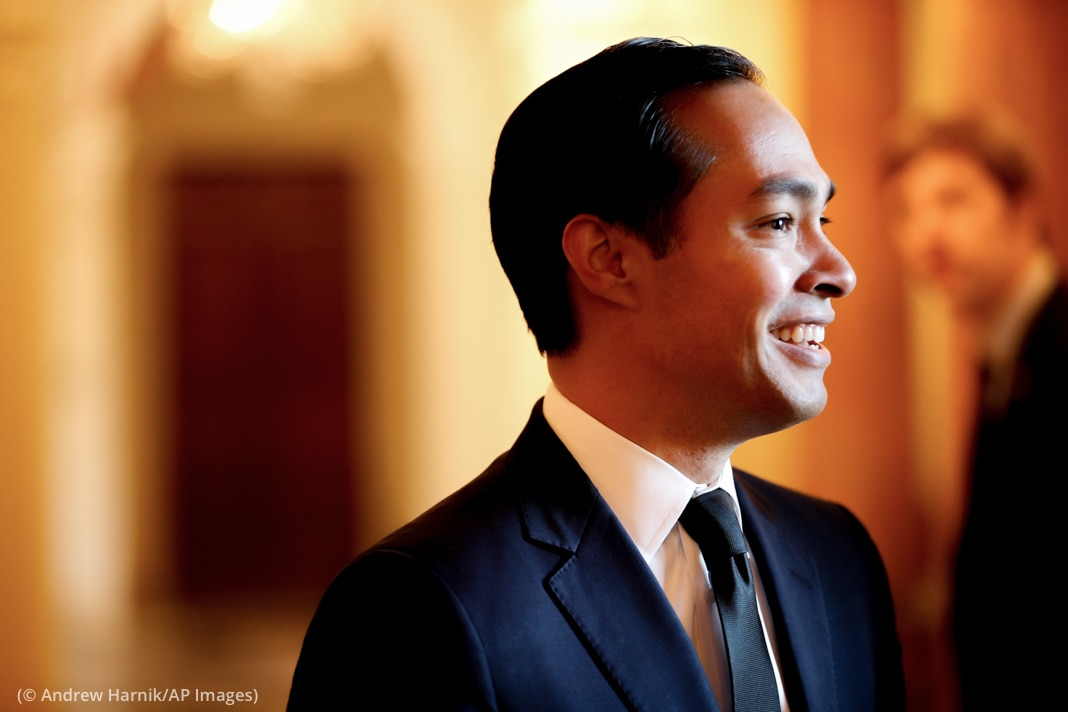 Close-up of Julián Castro (© Andrew Harnik/AP Images)