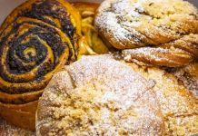 Different kinds of pastries in box (© Piroshky Piroshky Bakery LLC)