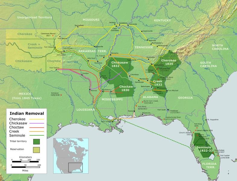 """""""血泪之路"""":这是1830年代印第安五部落被迫与联邦政府签订条约,放弃他们祖居的土地,向西渡过密西西比河迁移到印第安领地即后来的俄克拉荷马州东部地区的路线图,其中克里克(Creek)部落的迁徙路线标记为橙色。(公共领域/史密森尼学会1988年History of Indian-White Relations丛书第4卷)"""