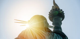 Sunlight on Statue of Liberty (© Cla78/Shutterstock)