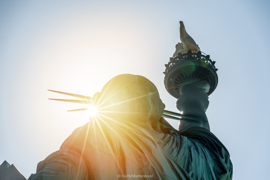 Sunlight on Statue of Liberty (© Cla78/Shutterstock)
