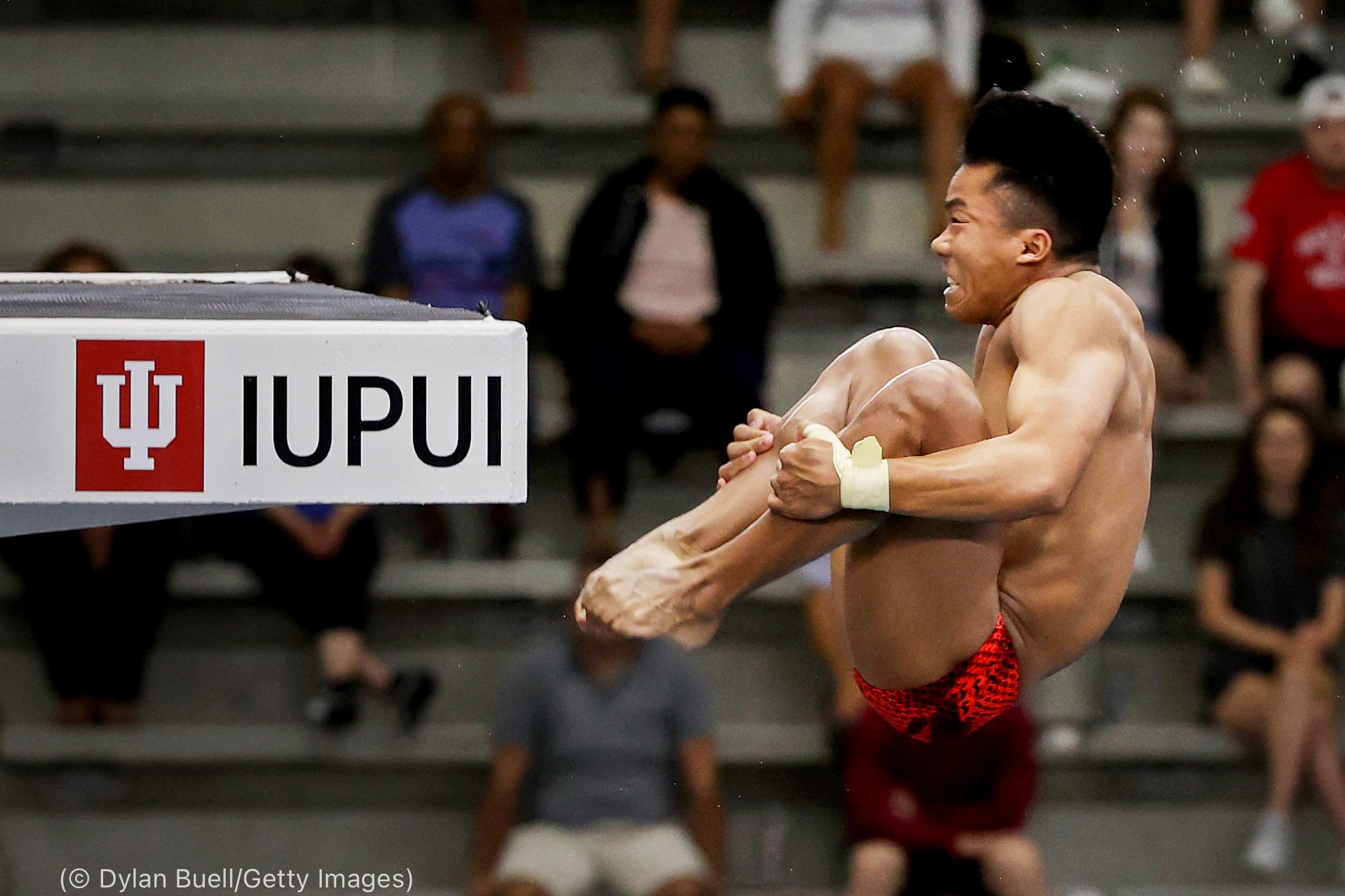 Hombre lanzándose en un salto (© Dylan Buell/Getty Images)