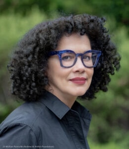 Headshot of Elia Alba (© Michael Palma Mir/Andrew W. Mellon Foundation)