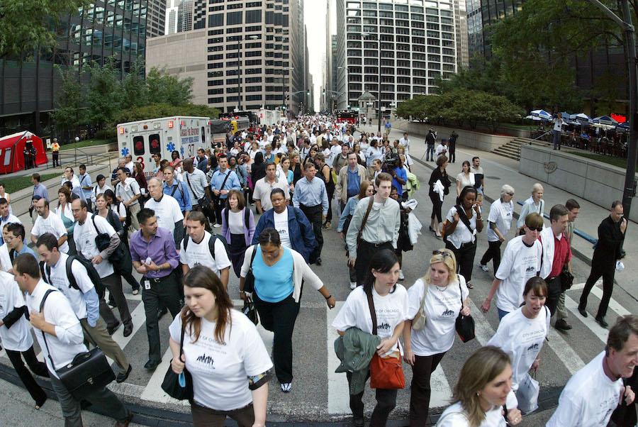 芝加哥市中心民众参与疏散演习(照片:美联社)
