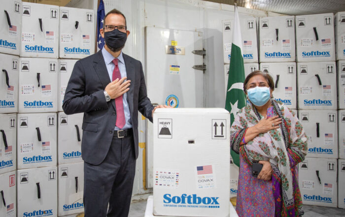 COVID-19 : Les États-Unis envoient des vaccins dans le monde entier [actualisations à suivre]
