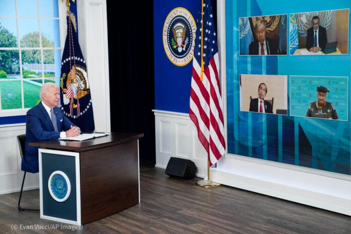 Президент США Джозеф Байден выступает перед участниками виртуального саммита на полях Генассамблеи ООН (© Evan Vucci/AP Images)